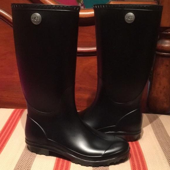 7b31e13f0c1 UGG women's Shelby Matte Rain Boots